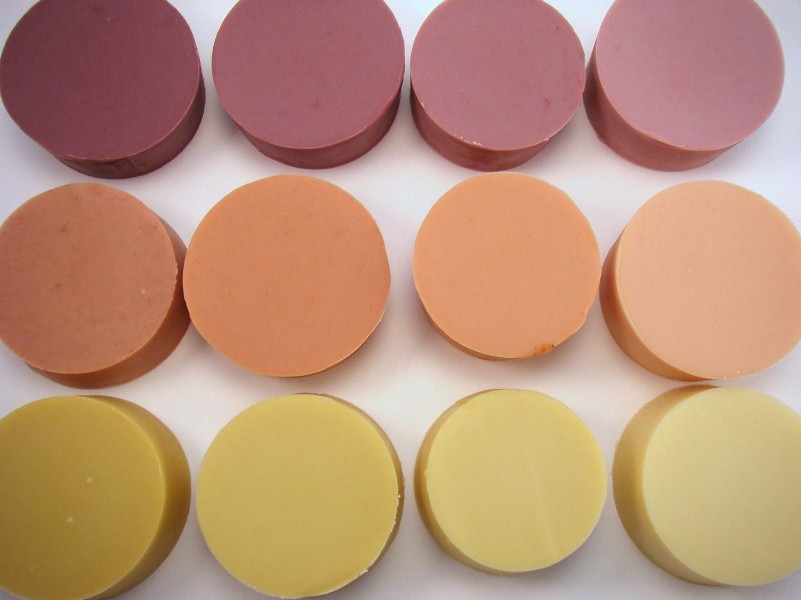 How to Test Soap Colorants - The Nova Studio
